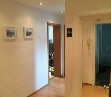 PROVISIONSFREI direkt von Eigentümer. Exklusive 2-Zimmer-DG-Wohnung in KÖLN Altstadt-Süd