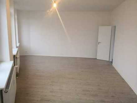 neu sanierte 2-Raum Wohnung in Meerane (Poststrasse)