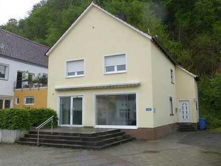 Wohn-Geschäftshaus in exponierter Lage von Homburg-Kirrberg