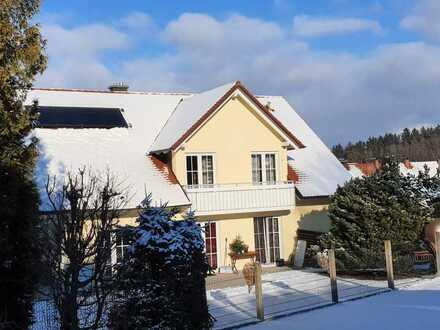 Hochwertige, großzügige 3 Zimmer - Wohnung in einem 2 Familien Haus in Trunkelsberg