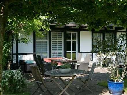 Freistehendes Einfamilienhaus im Landhausstil in Troisdorf - Altenrath