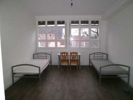 10 Zimmer (gut nutzbar als Wohnheim) in Zuffenhausen zu vermieten