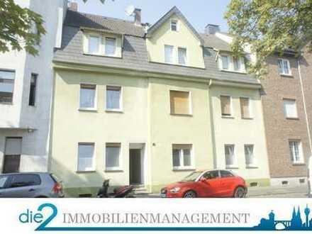 Kapitalanleger aufgepasst! 5-Parteienhaus mit Ausbaureserve + Baugrundstück in Leverkusen!