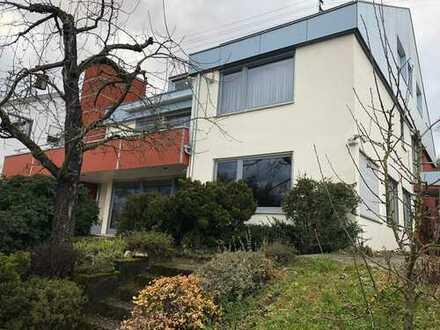 Traumhafte Aussichtslage:Exclusives Einfamilienhaus mit schönem Grundstück