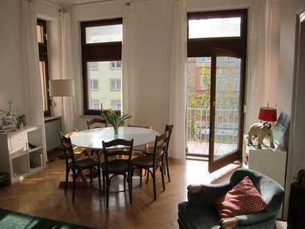 Super gelegene, helle 4-Zimmer Altbau Wohnung Möbliert für sieben Monate zu vermieten