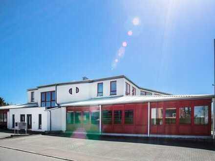 Halle 700 m² für Büro/Gewerbe/Verkauf/Lager