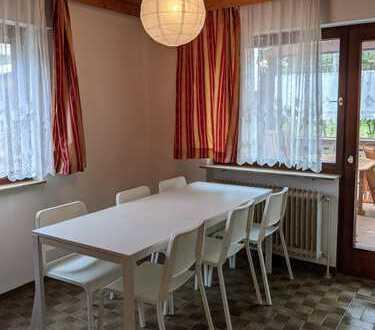 Nur für Studenten: Möbliertes Arbeits- u. Wohn-/Schlafzimmer mit Waschbecken Wäldenbronn