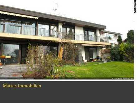 Villa mit Schwimmbad in bester Halbhöhenlage von Esslingen