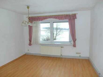 Ruhige Lage * Freundliche, kleine 3-Zimmer-Wohnung in Geringswalde * Einbauküche * Dusche