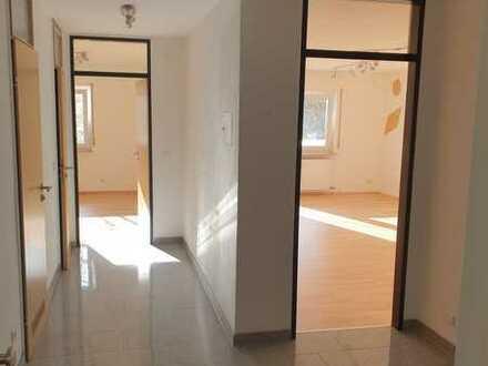 Exklusive, sanierte 3-Zimmer-Wohnung mit Balkon und Einbauküche in Sachsenheim + Schwimmbad + Sauna
