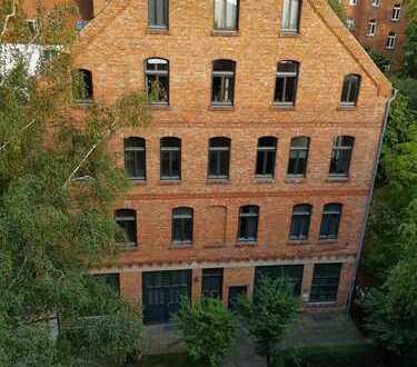 Freundliche, sanierte 2-Zimmer-Wohnung mit gehobener Innenausstattung zur Miete in Hannover