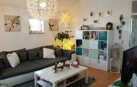 Tolle 2 Zimmerwohnung mit überdachter Dachterrasse und hohen Decken in Hannover - Wettbergen !