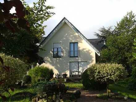 Schöne, helle 3-Zimmer-DG-Wohnung in gehobener Ausstattung in Neuenkirchen-Vörden
