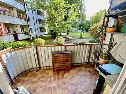 Tolle 2 Zimmerwohnung mit Balkon, Kamin und EBK frei - ab Dezember