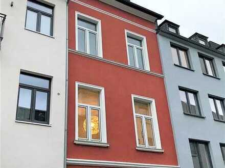 Nähe Dom! Eine frisch renovierte 1-Zi.-Wohnung mit Einbauküche (inkl.Elektrogeräte) und Terrasse!