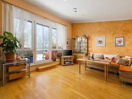 *Kapitalanleger !* 1,5 Zimmerwohnung mit exklusiver 25 qm großer Dachterrasse, solvent vermietet.
