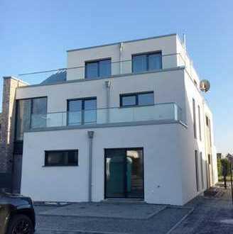 Moderne, großzügige zwei Zimmer Wohnung (offene Küche) in Kerpen-Blatzheim