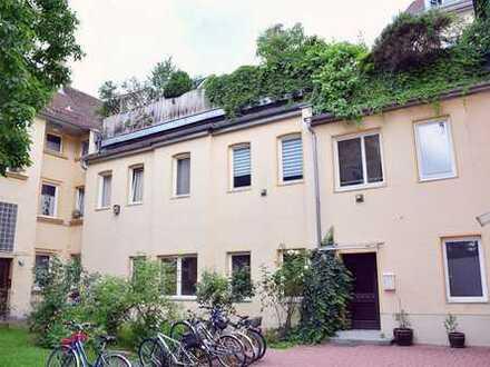 Renovierungsbedürftige 3-Zimmer-Erdgeschosswohnung in sehr guter Wohnlage in Augsburg