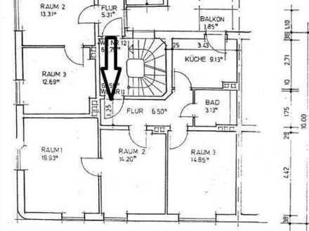 EIN TRAUM -3-Zimmer mit Balkon und EBK (+ Gartennutzung)
