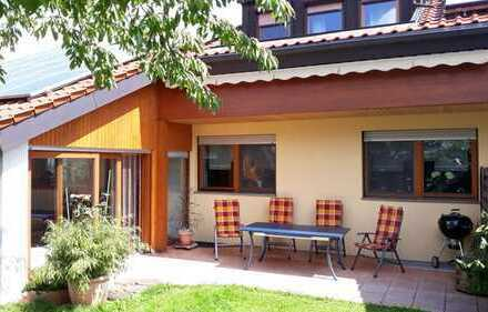 Großzügige 1-2-Familien-Doppelhaushälfte in Ulm, Jungingen