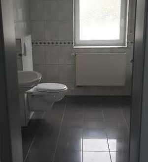 Große 2-Zimmer- Wohnung in Bestlage von Homburg-Bruchhof zu vermieten