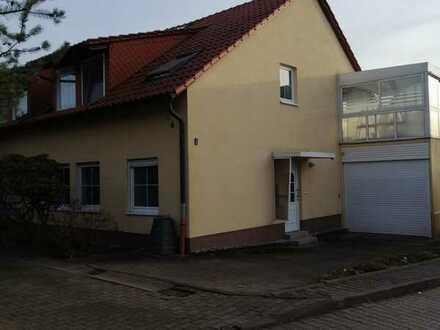 2- Raum Wohnung im EG mit Terrasse und Garten