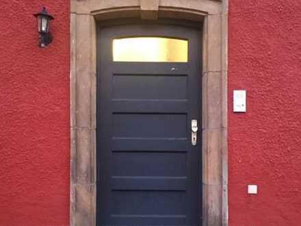 Neu renovierte 4 Zimmer Wohnung mit Gartenanteil, nähe Hofgarten