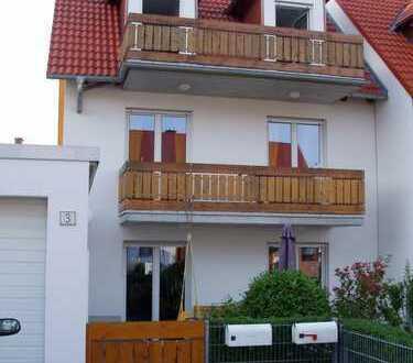 Komfortwohnung (2-Zimmer-Maisonette) in DHH mit Balkon