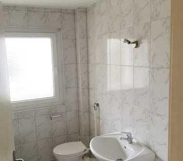 Große frisch-renovierte 2 Zimmer-Wohnung in Mannheim-Neckarstadt; B-Termin am 13.12.18 um 17:30 Uhr