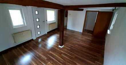 Zentrales und charmantes Wohnen im 2-Familienhaus - Erstbezug nach Renovierung