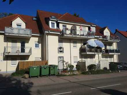 Gepflegte 2,5-Zimmer-Wohnung mit Balkon und Einbauküche in Laudenbach
