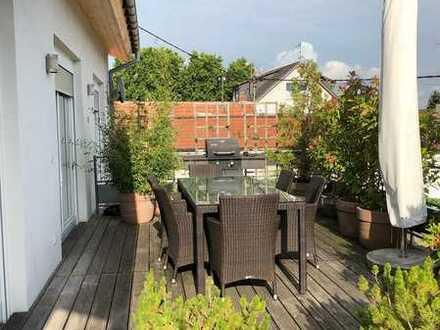 Traumhafte, exklusive Maisonettewohnung mit schöner Dachterrasse im Zentrum von Horchheim!