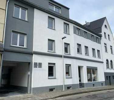Luxus Penthouse Wohnung mit Pool, Garten, Terrasse, Einbauküche, großes Wohnzimmer, Bergisch Gladbac