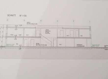 ATTRAKTIVE NEU GEPLANTE ( 1200 m² ) PRODUKTIONS-LAGER- UND BÜROHALLE, AUCH TEILANMIETUNG MÖGLICH