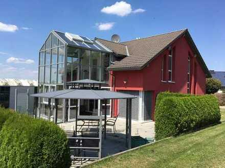 Top gepflegtes Einfamilienhaus in sonnenverwöhnter, idyllischer Ortsrandlage!