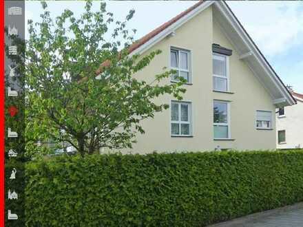 Bezugsfreie 4-Zimmer-Split-Level-Wohnung mit kleinem Garten