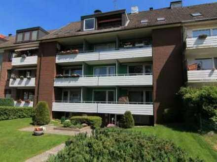 Solide ETW in Rahlstedt mit großem Balkon 2,5 Zimmer + Souterrain