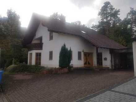 Einfamilienhaus mit ELW in Waldrandlage