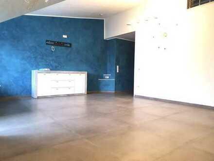 Hochwertige kernsanierte 3,5 Zimmer-Wohnung mit Einbauküche und Balkon in LU-Ruchheim