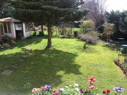 Schöne WG mit Garten im Kreuzviertel (DO) sucht neue/n Mitbewohner/in