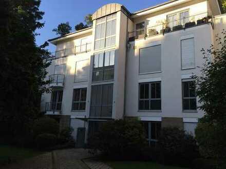großzügige 4 Zimmer-Wohnung mit Balkon in parkähnlicher Wohnanlage
