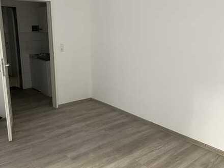 Sanierte 1-Zimmer-Wohnung mit Balkon und EBK
