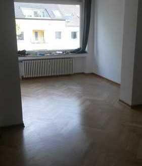 Schöne, geräumige, ruhige zwei Zimmer Wohnung in Köln, Lindenthal