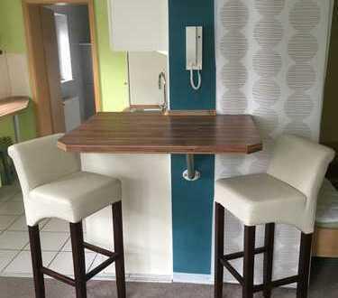 Schöne und helle 1-Zimmer Souterrainwohnung