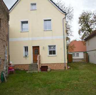 Schönes, geräumiges Haus mit weiteren Ausbaumöglichkeiten in Kremmen, mit lebenslangen Wohnrecht