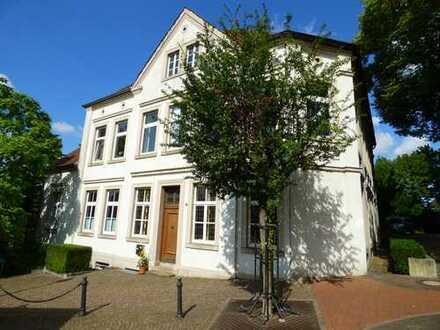 Altenberge, großzügige Altbauwohnung auf 200 m² Wohnfläche in absolut zentraler Lage zu vermieten