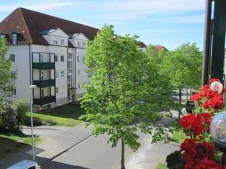Das grüne Umfeld genießen - ETW mit Balkon im 2. OG zu verkaufen