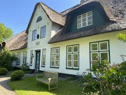 """Zentrumsnahe Lage von Husum! Wohnen in der """"Poggenburg"""" unter Reet!"""