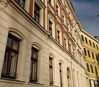 Helle 4-Zimmer-Wohnung mit Balkon in liebevoll restauriertem Altbau