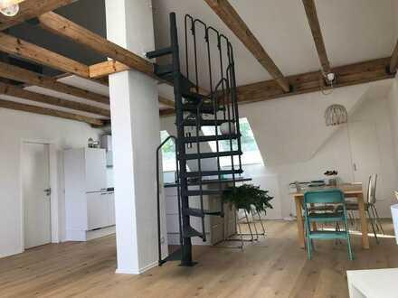 Zimmer in Berufstätigen-WG in außergewöhnlicher, frisch renovierter Wohnung